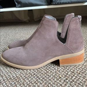 STEVE MADDEN SUEDE BOOTS 8,5